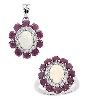 Un bijou envoà»tant et généreux ! Argent 925 rhodié 2 opales totalisant 2cts 22 rubis totalisant 4.2cts.