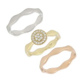 Un symbole d'amour. Argent 925 rhodié Argent 925 plaqué or jaune et rose 23 Demoni taille ronde Equivalent carat 0.31ct*.