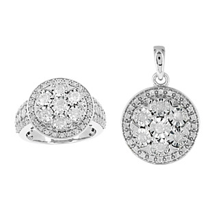 Un trophée éblouissant. Argent 925 rhodié 94 diamants 1.69 carats.