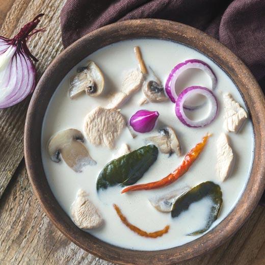 Recette de soupe Tom Kha Kaï Thaïlandaise avec le Compact Cook Elite